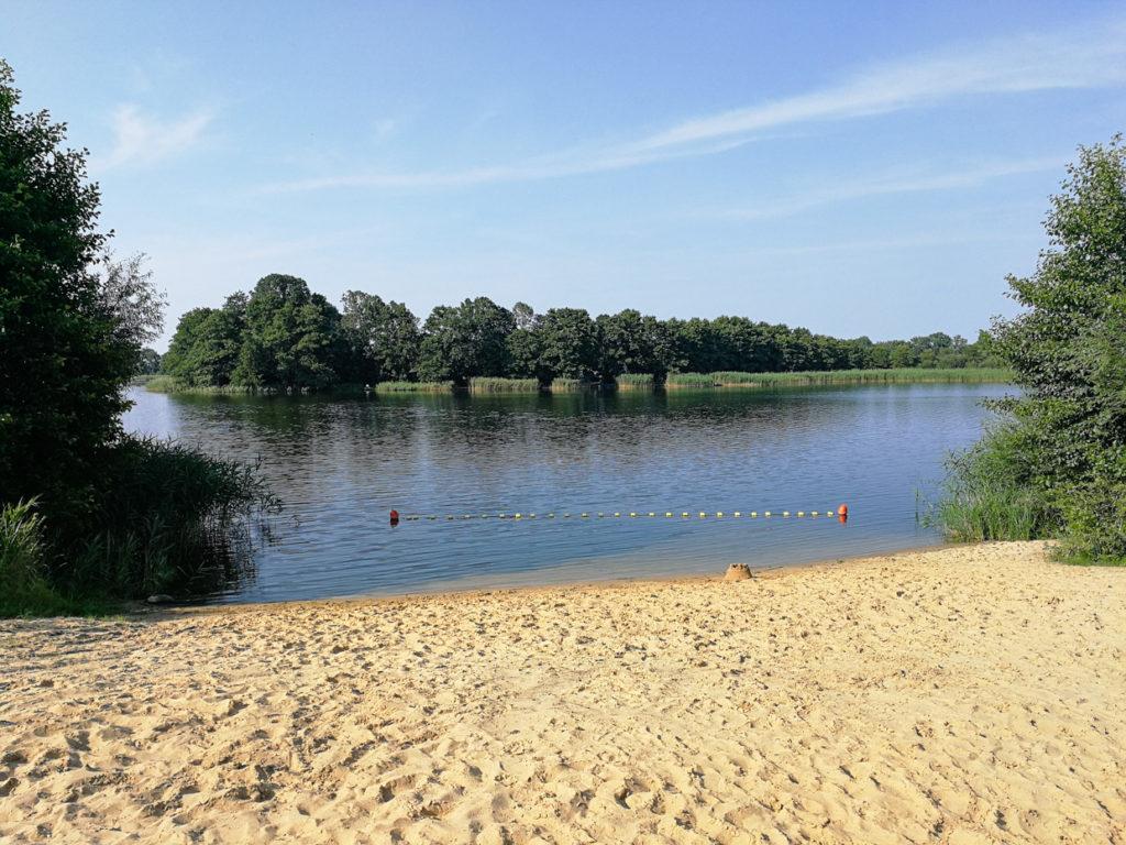 Mościszki plaża jezioro
