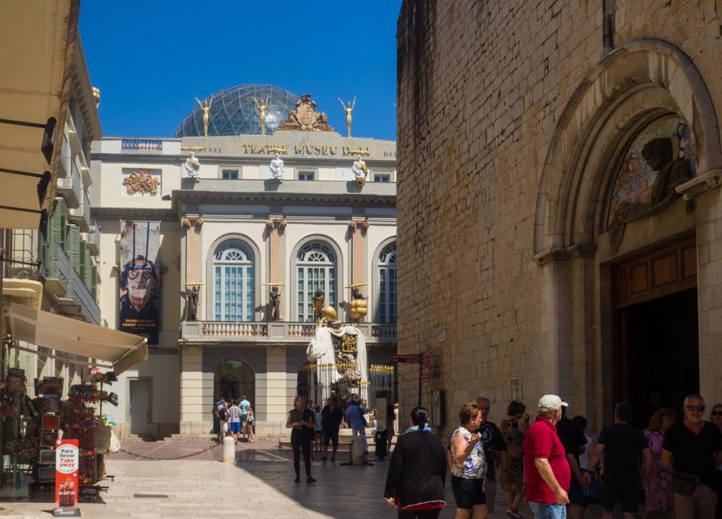 Figueres opera muzeum Dali