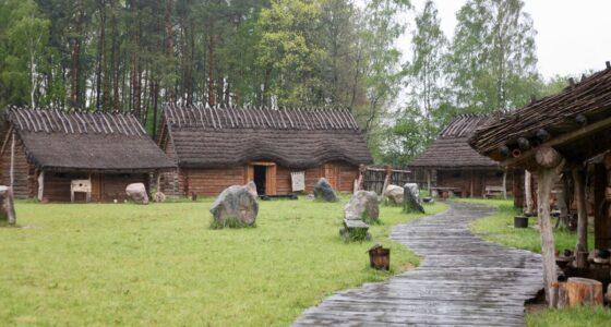 Sławutowo: słowiańska osada średniowieczna – edukacyjna wioska szczęścia